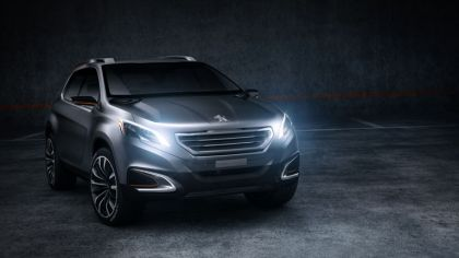 2012 Peugeot Urban Crossover concept 8