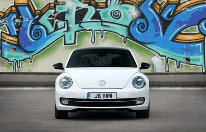 2011 Volkswagen Beetle - UK version 11