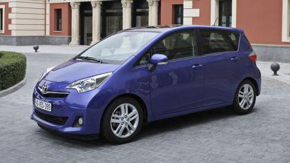 2011 Toyota Verso-S 5