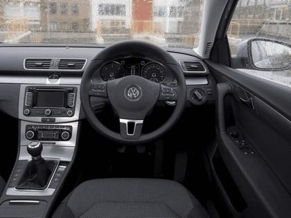 2010 Volkswagen Passat - UK version 10