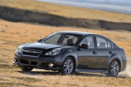 2013 Subaru Legacy sedan 5