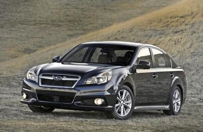 2013 Subaru Legacy sedan 8