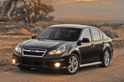 2013 Subaru Legacy sedan 14