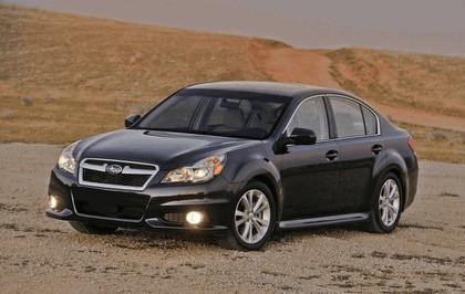2013 Subaru Legacy sedan 15
