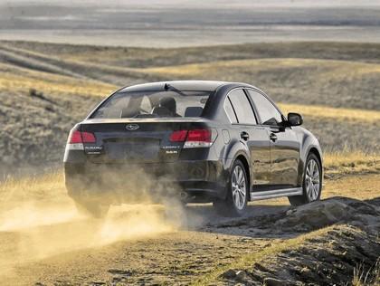 2013 Subaru Legacy sedan 18