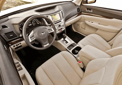 2013 Subaru Legacy sedan 21