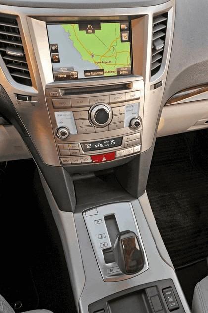 2013 Subaru Legacy sedan 23