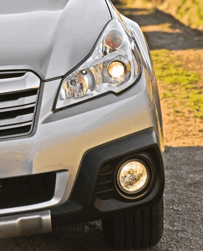 2013 Subaru Outback 25