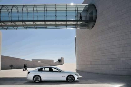 2012 BMW 750d ( F01 ) 9