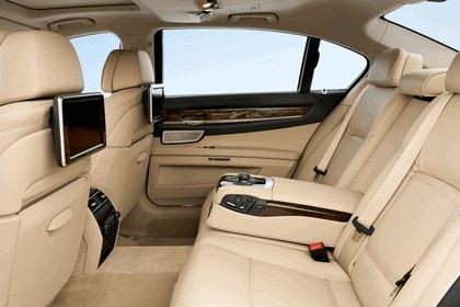 2012 BMW 750d ( F01 ) 24