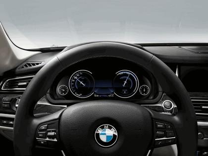 2012 BMW 750d ( F01 ) 32