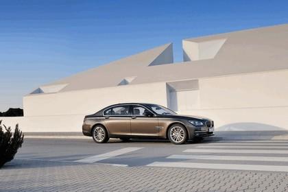 2012 BMW 750Li ( F01 ) 1