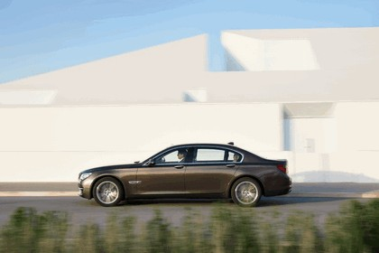 2012 BMW 750Li ( F01 ) 2