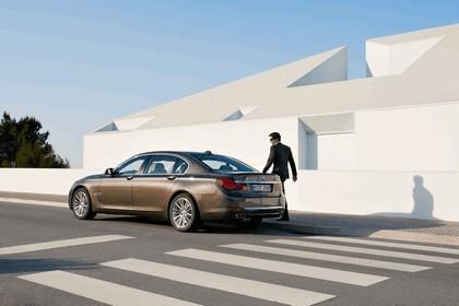 2012 BMW 750Li ( F01 ) 3