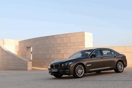 2012 BMW 750Li ( F01 ) 8