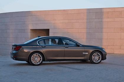 2012 BMW 750Li ( F01 ) 9