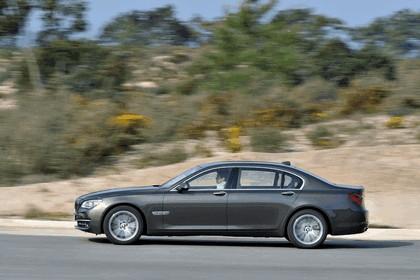 2012 BMW 750Li ( F01 ) 14