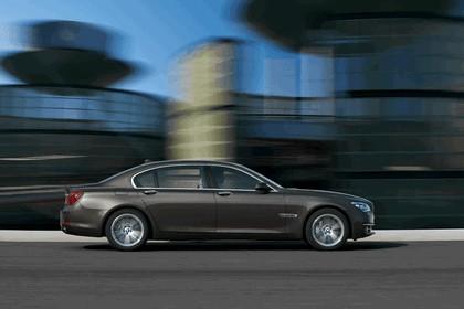 2012 BMW 750Li ( F01 ) 27