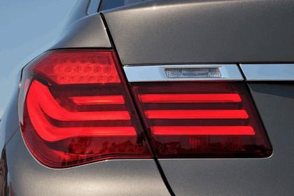 2012 BMW 750Li ( F01 ) 36