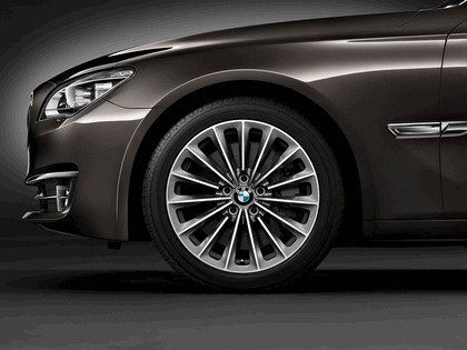 2012 BMW 750Li ( F01 ) 37