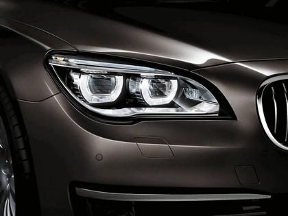 2012 BMW 750Li ( F01 ) 38