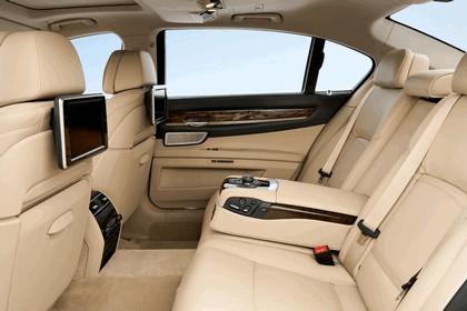 2012 BMW 750Li ( F01 ) 52