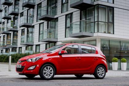 2012 Hyundai i20 - UK version 4