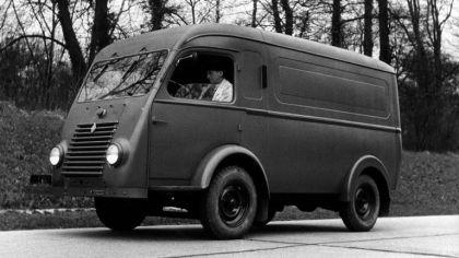 1947 Renault 1000 kg 9