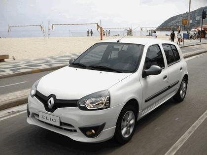 2012 Renault Clio Mercosur 12