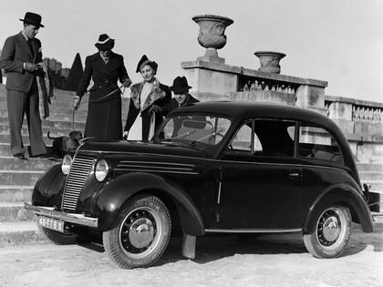 1937 Renault Juvaquatre coupé 1