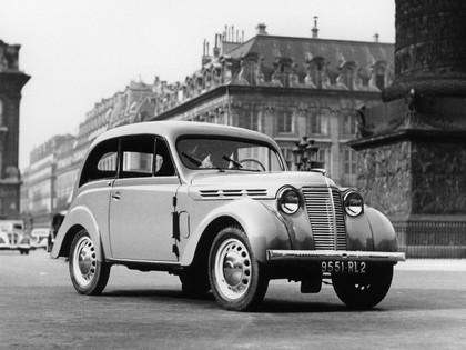 1937 Renault Juvaquatre coupé 2
