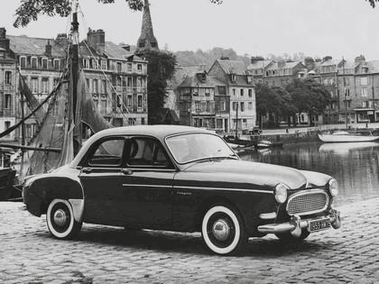 1958 Renault Fregate 1