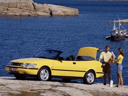 1988 Saab 900 SE convertible 13