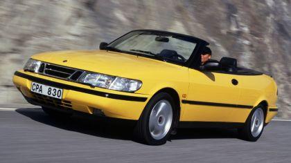 1988 Saab 900 SE convertible 3