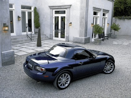 2006 Mazda MX-5 Miata power retractable hard top 4
