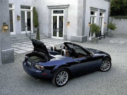 2006 Mazda MX-5 Miata power retractable hard top 5