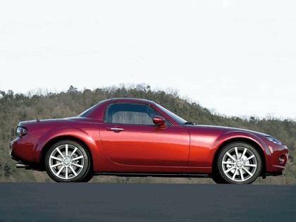 2006 Mazda MX-5 Miata power retractable hard top 6