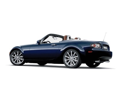 2006 Mazda MX-5 Miata power retractable hard top 11