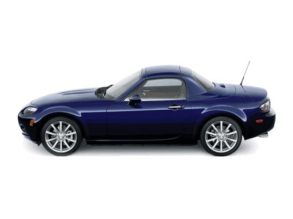 2006 Mazda MX-5 Miata power retractable hard top 12