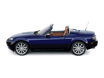 2006 Mazda MX-5 Miata power retractable hard top 13