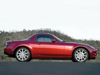 2006 Mazda MX-5 roadster coupé 7