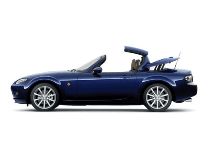 2006 Mazda MX-5 roadster coupé 17
