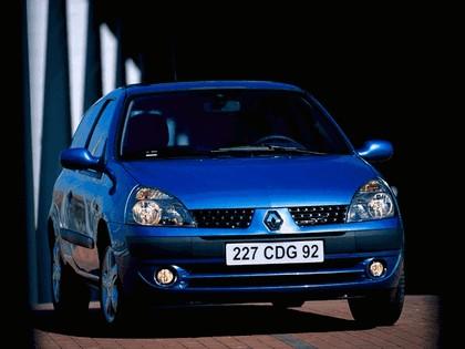 2001 Renault Clio 3-door 1