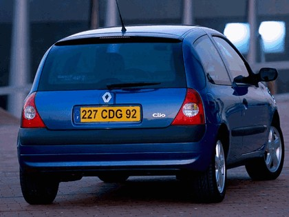 2001 Renault Clio 3-door 3