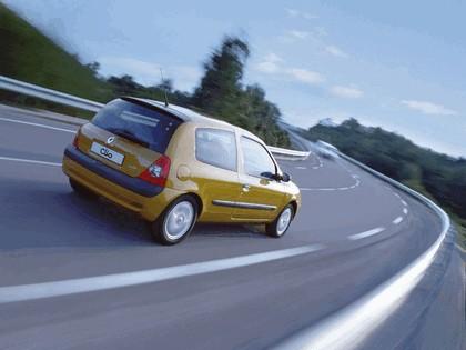 2001 Renault Clio 3-door 9