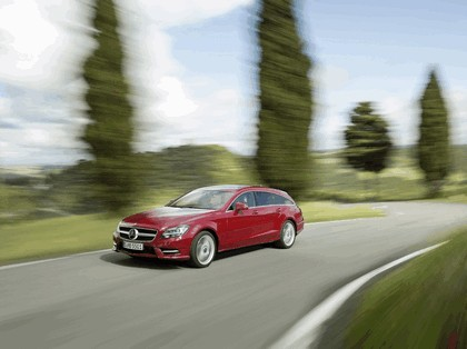 2012 Mercedes-Benz CLS 500 4Matic Shooting Brake with AMG Sports Package 7