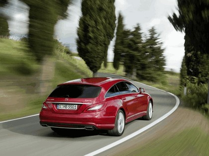 2012 Mercedes-Benz CLS 500 4Matic Shooting Brake with AMG Sports Package 12