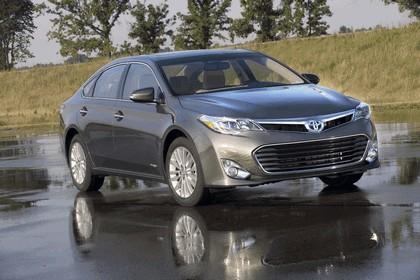 2013 Toyota Avalon Hybrid 1