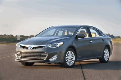 2013 Toyota Avalon Hybrid 3