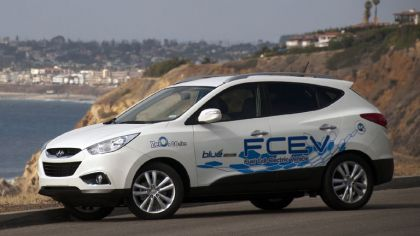 2012 Hyundai Tucson Fuel Cell Electric Vehicle 4
